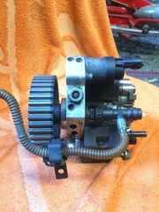 Б/у тнвд насос топливный высокого давления Renault 1.9 dci,  8200055072